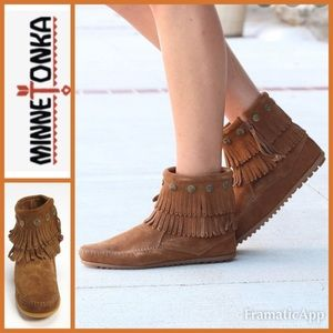 🧡MINNETONKA Double Fringe Side Zip Bootie